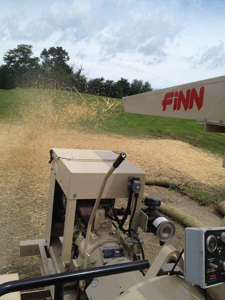 FINN straw blower in action